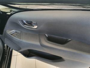 Toyota Aygo 1.0 X-Clusiv - Image 9