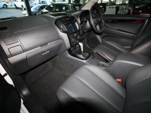 Isuzu D-Max 300 3.0TD double cab X-Rider - Image 9
