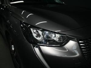 Peugeot 208 1.2 Active - Image 12