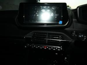 Peugeot 208 1.2 Active - Image 18