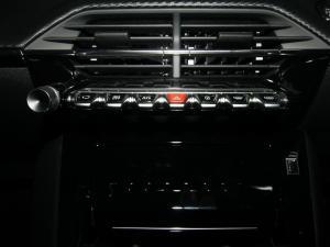 Peugeot 208 1.2 Active - Image 19