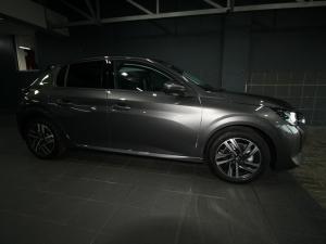 Peugeot 208 1.2 Active - Image 8