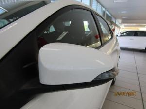 Toyota Corolla Quest 1.8 CVT - Image 8