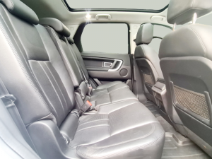 Land Rover Discovery Sport 2.0i4 D HSE - Image 10