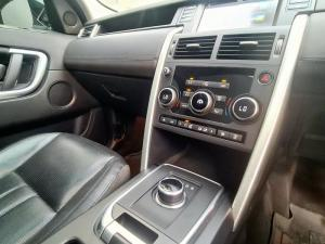 Land Rover Discovery Sport 2.0i4 D HSE - Image 18