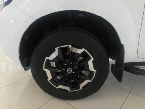 Nissan Navara 2.5DDTi double cab LE - Image 5