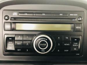 Nissan NP300 Hardbody 2.4 double cab 4x4 - Image 6