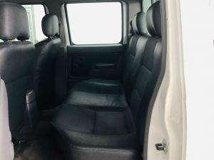 Nissan NP300 Hardbody 2.4 double cab 4x4 - Image 8