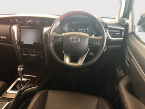 Toyota Fortuner 2.8GD-6 Epic automatic - Image 13