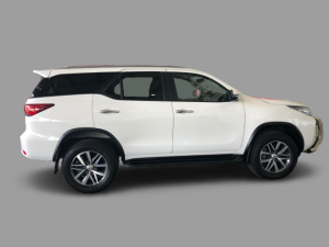 Toyota Fortuner 2.8GD-6 Epic automatic - Image 8