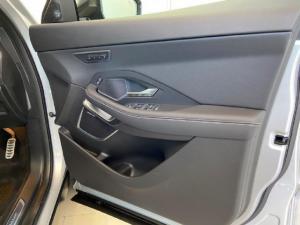 Jaguar E-Pace D180 AWD HSE - Image 14