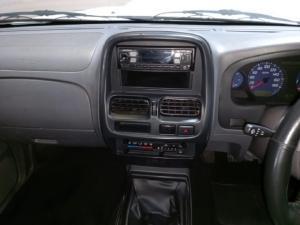 Nissan NP300 Hardbody 2.5TDi Hi-rider - Image 9