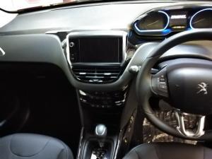 Peugeot 2008 1.2T Allure - Image 9