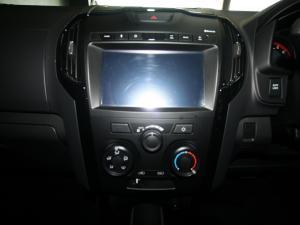 Isuzu D-Max 300 3.0TD double cab X-Rider - Image 18