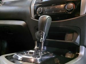 Nissan Navara 2.3D double cab SE auto - Image 13