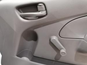 Nissan NV350 Impendulo 2.5i 16-seater - Image 15
