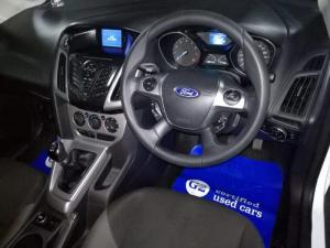 Ford Focus sedan 1.0T Trend - Image 10