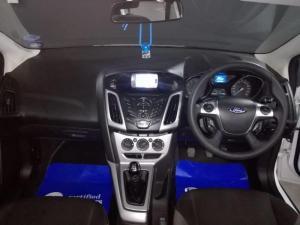 Ford Focus sedan 1.0T Trend - Image 11