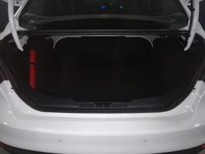 Ford Focus sedan 1.0T Trend - Image 14