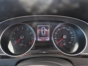 Volkswagen Passat 1.4 TSI Luxury DSG - Image 9