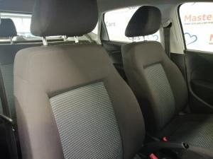 Volkswagen Polo Vivo hatch 1.6 Comfortline auto - Image 11