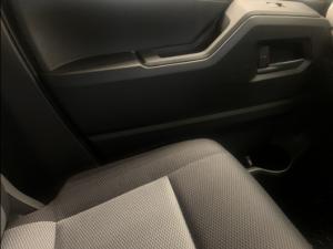 Toyota Quantum 2.8 SLWB panel van - Image 22