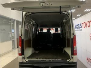 Toyota Quantum 2.8 SLWB panel van - Image 9