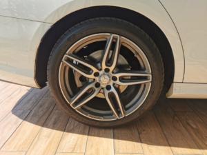 Mercedes-Benz E-Class E350d AMG Line - Image 6