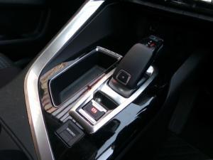 Peugeot 3008 1.6T Active - Image 13