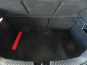 Kia Rio hatch 1.4 Tec - Image 5