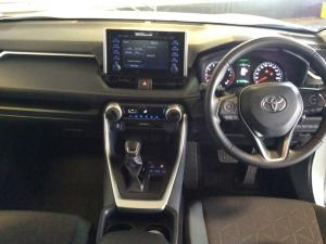 Toyota RAV4 2.0 GX CVT - Image 2