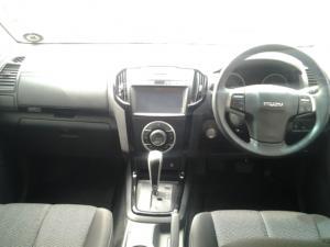 Isuzu D-Max 300 3.0TD double cab LX auto - Image 13