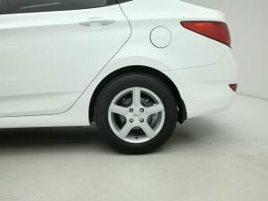 Hyundai Accent 1.6 GLS/FLUID - Image 14