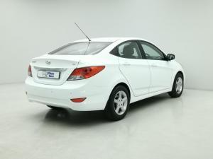 Hyundai Accent 1.6 GLS/FLUID - Image 4