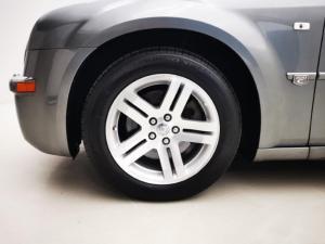 Chrysler 300C 3.5 V6 automatic - Image 13