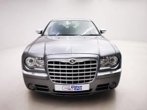 Chrysler 300C 3.5 V6 automatic - Image 2