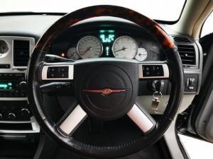 Chrysler 300C 3.5 V6 automatic - Image 6