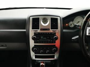 Chrysler 300C 3.5 V6 automatic - Image 8