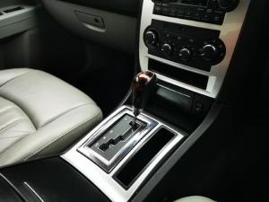 Chrysler 300C 3.5 V6 automatic - Image 9