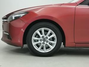 Mazda MAZDA3 2.0 Individual 5-Door automatic - Image 15