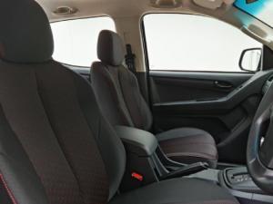 Isuzu D-Max 250 double cab Hi-Ride auto - Image 7