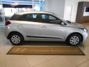 Hyundai i20 1.4 Motion auto - Image 3