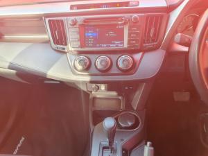 Toyota RAV4 2.0 GX auto - Image 10