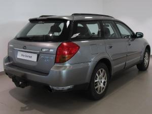 Subaru Outback 2.5i AWD - Image 5