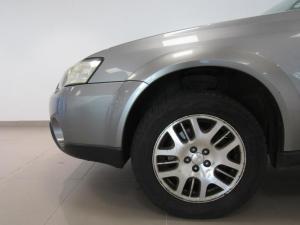 Subaru Outback 2.5i AWD - Image 7