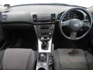 Subaru Outback 2.5i AWD - Image 8