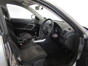 Subaru Outback 2.5i AWD - Image 9