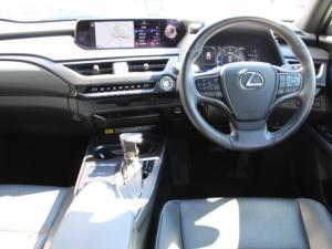 Lexus UX 200 EX - Image 5