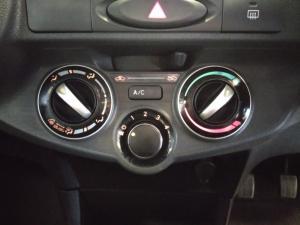 Toyota Etios hatch 1.5 Xs - Image 18
