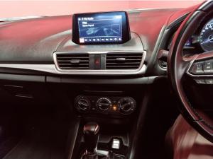 Mazda MAZDA3 2.0 Individual 5-Door automatic - Image 12